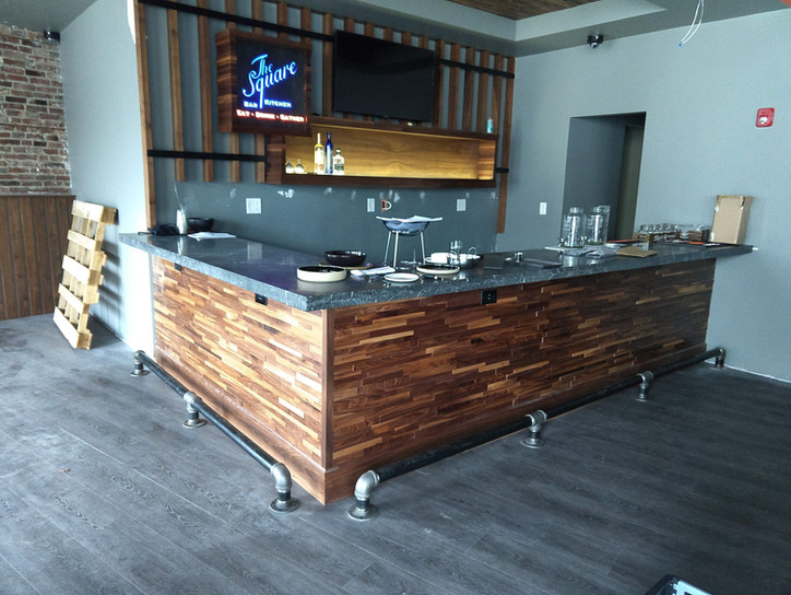 Custom Bar - The Square