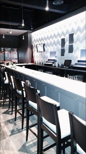 Sapore wave wall - custom bar