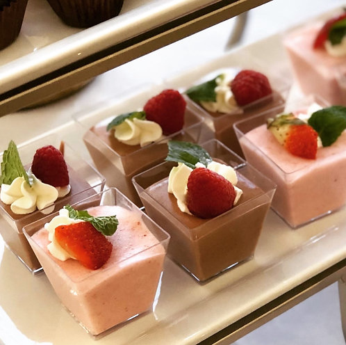Mini Strawberry Mousse x 12