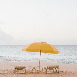 umbrella-beach-chairs.png