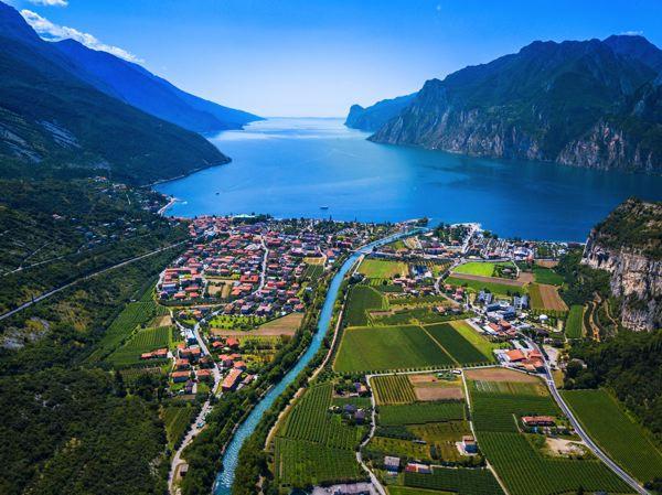 600px_Italien,_Gardasjön_GettyImages-868