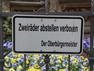 Zweiräder abstellen verboten - der Oberbürgermeister