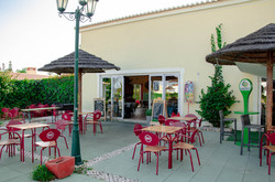 Oasis Parque leisure area cafe