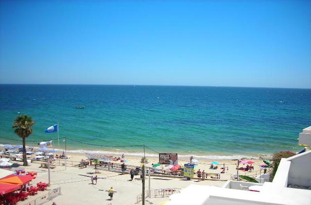 AT012 Olhos de Agua Beach