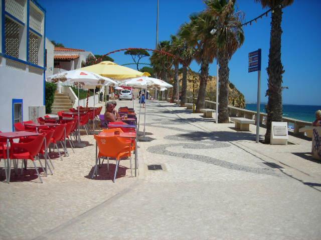 Olhos de Agua beach cafe