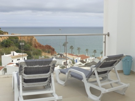 AT071 Stunning Sea View Relax on the lou