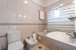AT01-Oasis-Parque109D_t2_30 Bathroom en