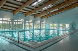 Oasis Parque inside pool