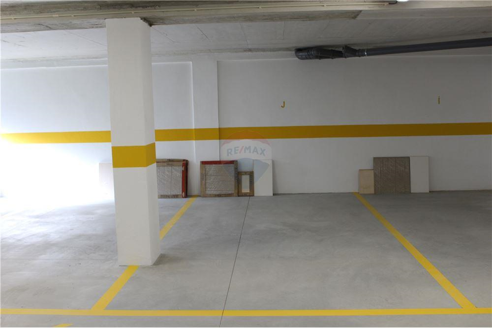 EDIFÍCIO_SURFAL__Garage_Space