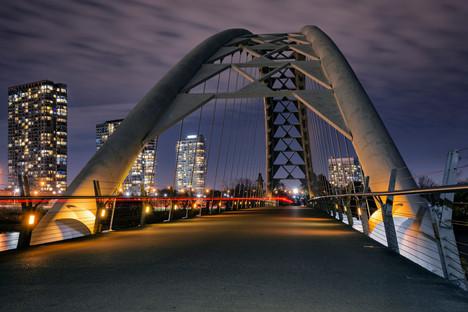 Toronto arch bridge long exposure