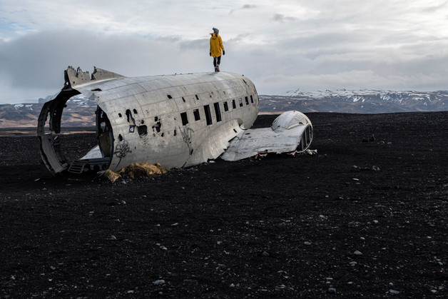 Plane wreck near the southern shore, April