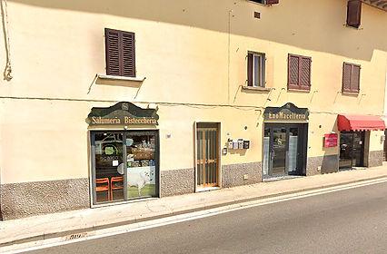 facciata negozio storico lo scalco san miniato