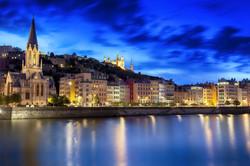 Lyon vista by night