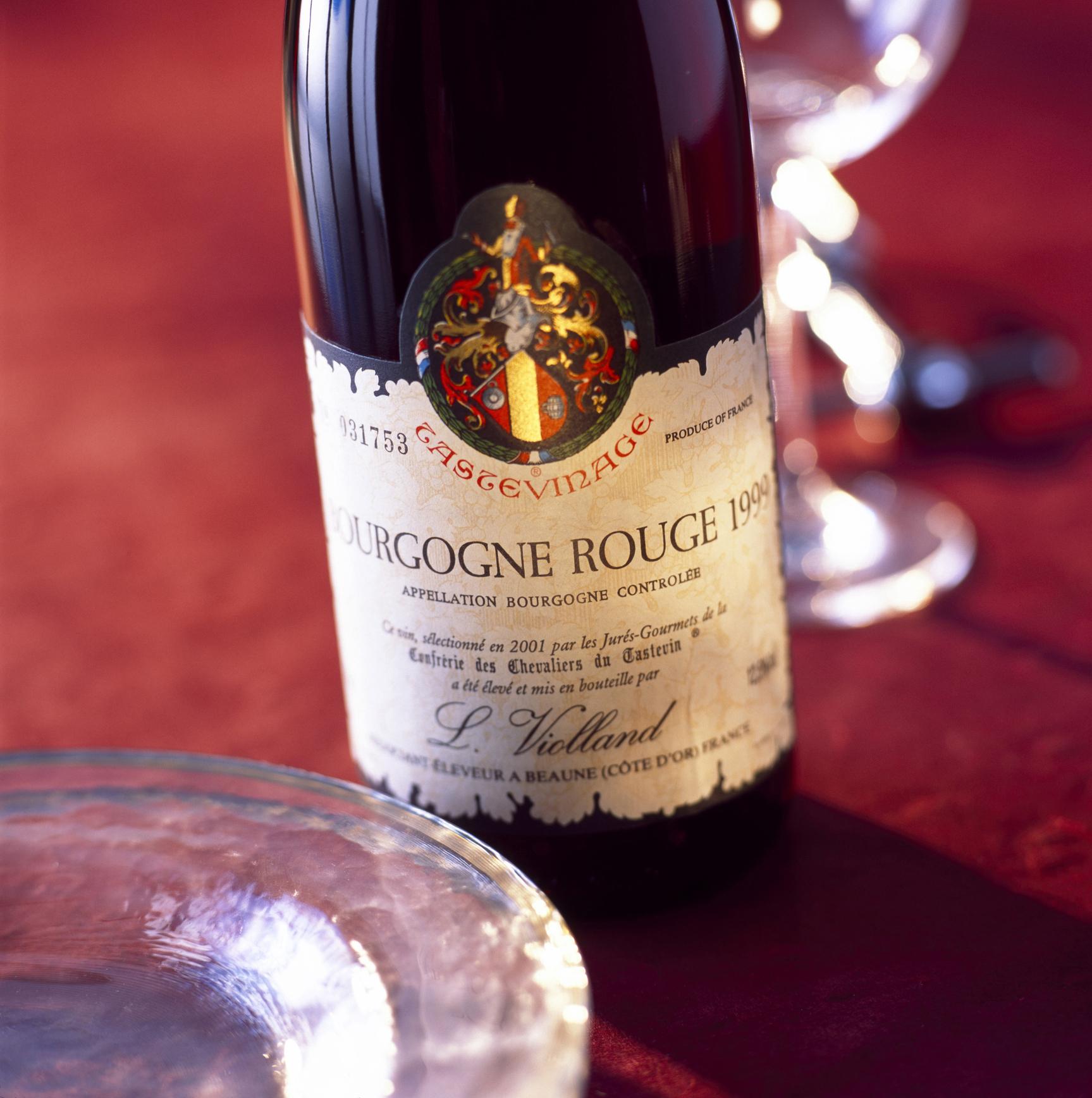 burgundy bourgogne bottle