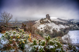 SL11_Corfe Castle in snow