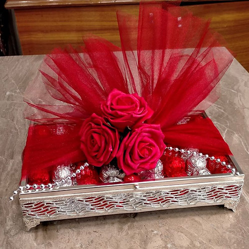 Cam Kutu Kırmızı & Gümüş- Yaldızlı Çikolata ve  Draje