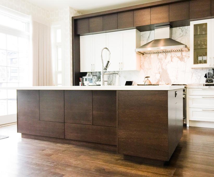 Elegant Kitchen Dark Brown Cabinets