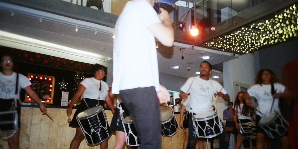 O7 Drumming group session