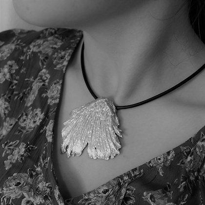 Fine silver bird wing pendant