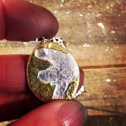 Hornwrack Pendant with gold