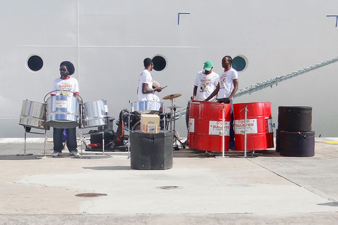 Antigua welcome band