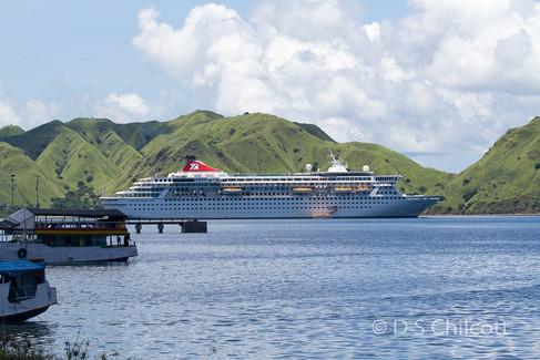 Balmoral cruise ship Komodo islands