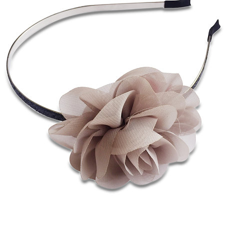 קשת פרח אפור בהיר