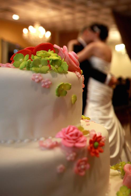 Wedding- Cake_Couple_Soft (portait style