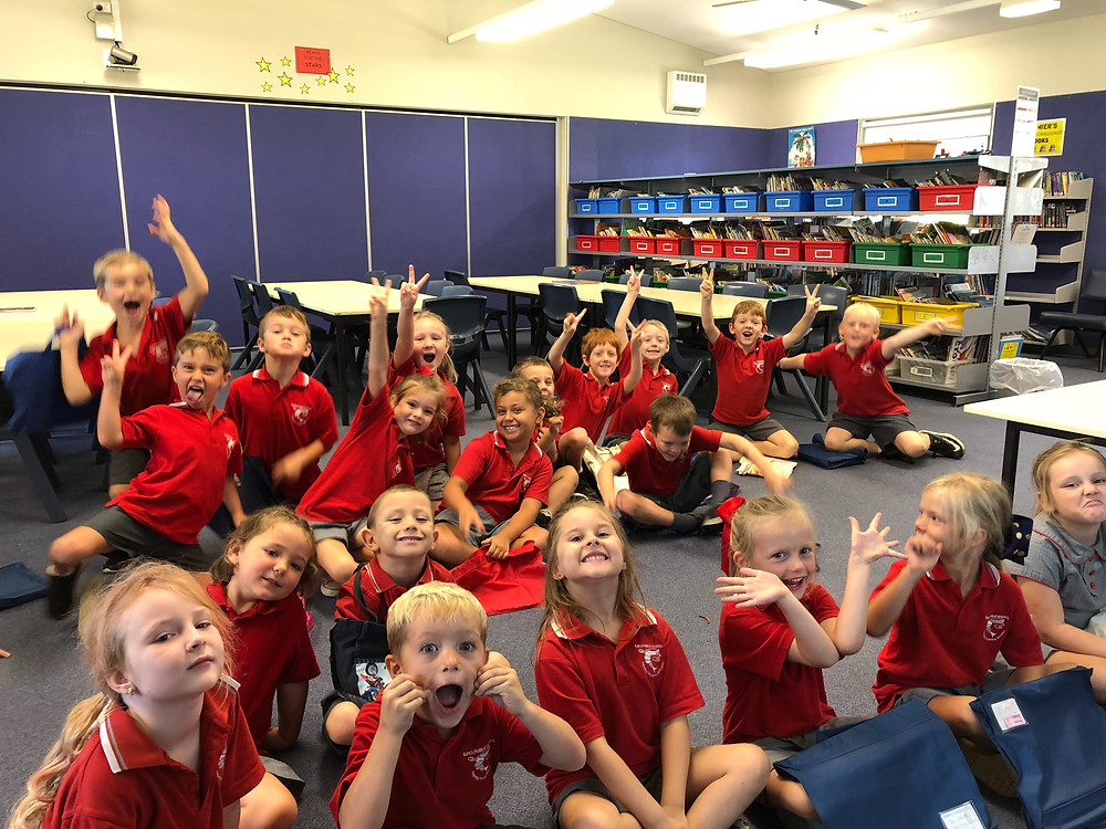 K/1 students in the school library