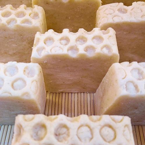 Jabón de miel cúrcuma, 100grs. aprox.
