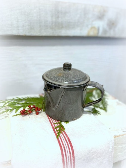 Graniteware Small Pitcher With Lid