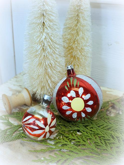 Antique Ornament Set 2