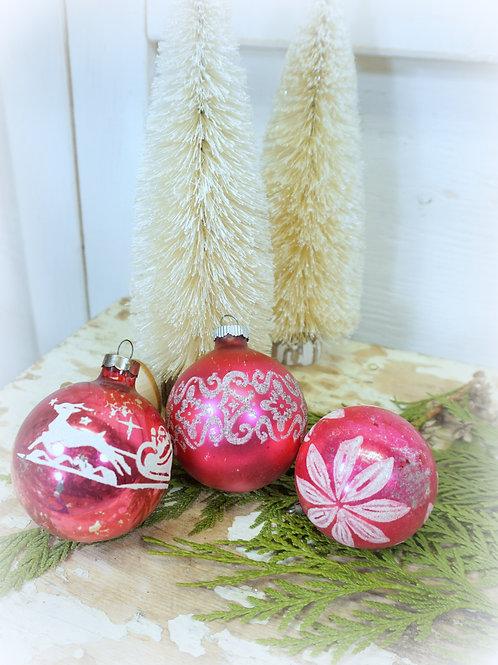 Vintage Ornaments Pink Set 3