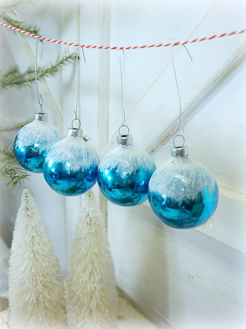 Frosted Blue Antique Ornament Set 4