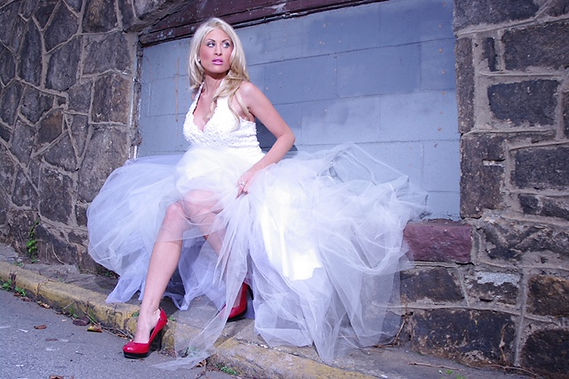 Model Lyndsay Wrensen; Photo Credits Ric Douglas