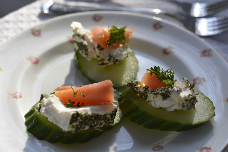 Cucumber & salmon