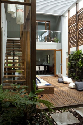 INSIDEOUT TIMBER FEATURE