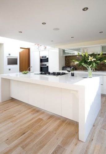 KITCHEN OAK FLOORING