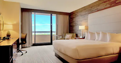 1-king-bed-with-balcony.webp