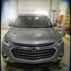 Chev. Traverse LT has the Hood, Bumper,