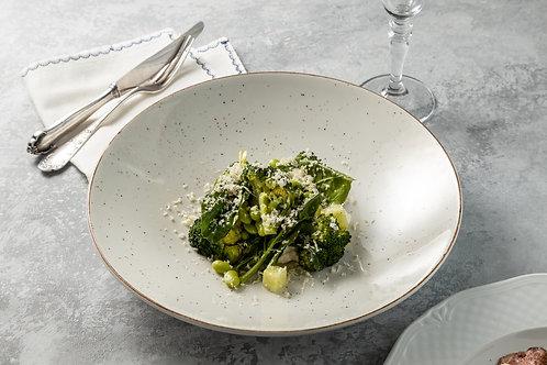 Зеленый салат с рикоттой