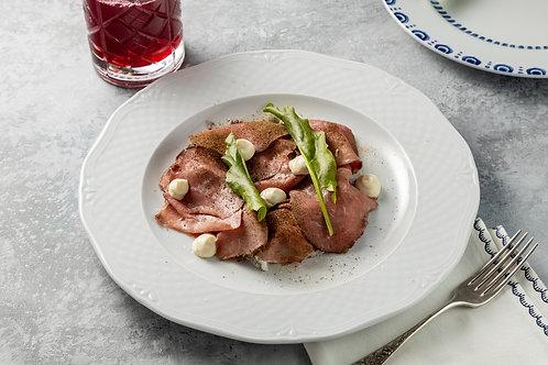Салат с холодной говядиной и печеным картофелем с подберезовиками
