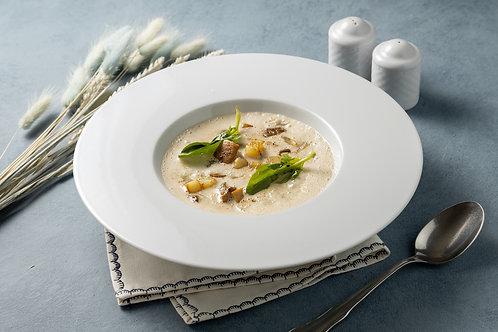 Сливочный суп с мурманской треской, картофелем и белыми грибами