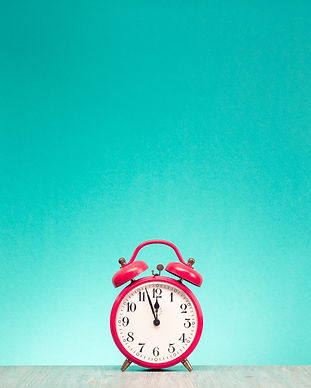 Retro alarm clock with last minutes to t
