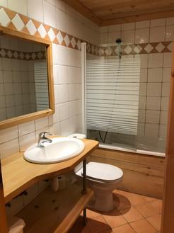 salle de bain sapin.JPG