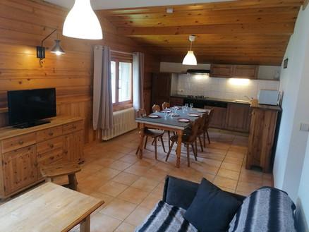 cuisine salon edelweiss.jpg