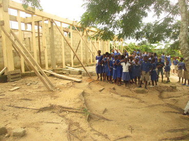 The children of Assin Adadientem at the construction site