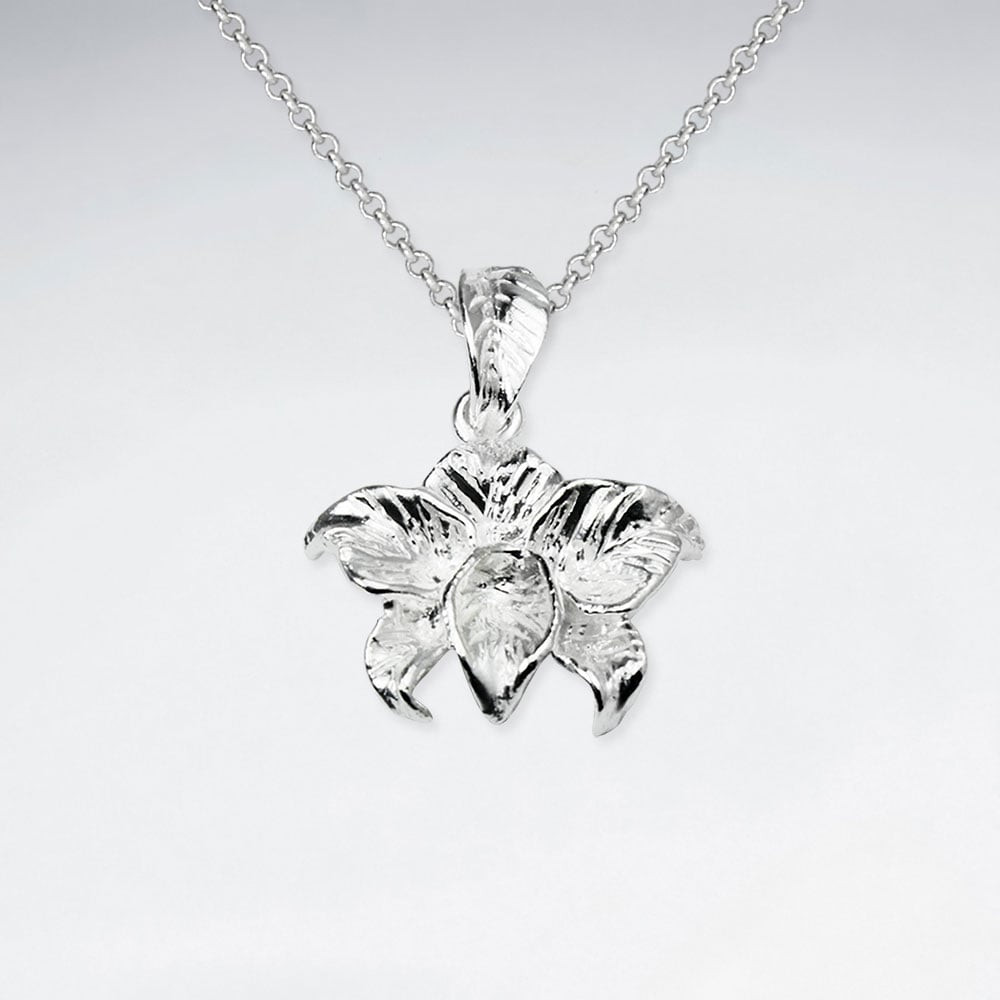 polished-silver-floral-inspired-pendant-