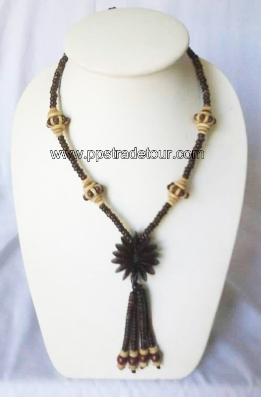 coconut shell bead necklace5834