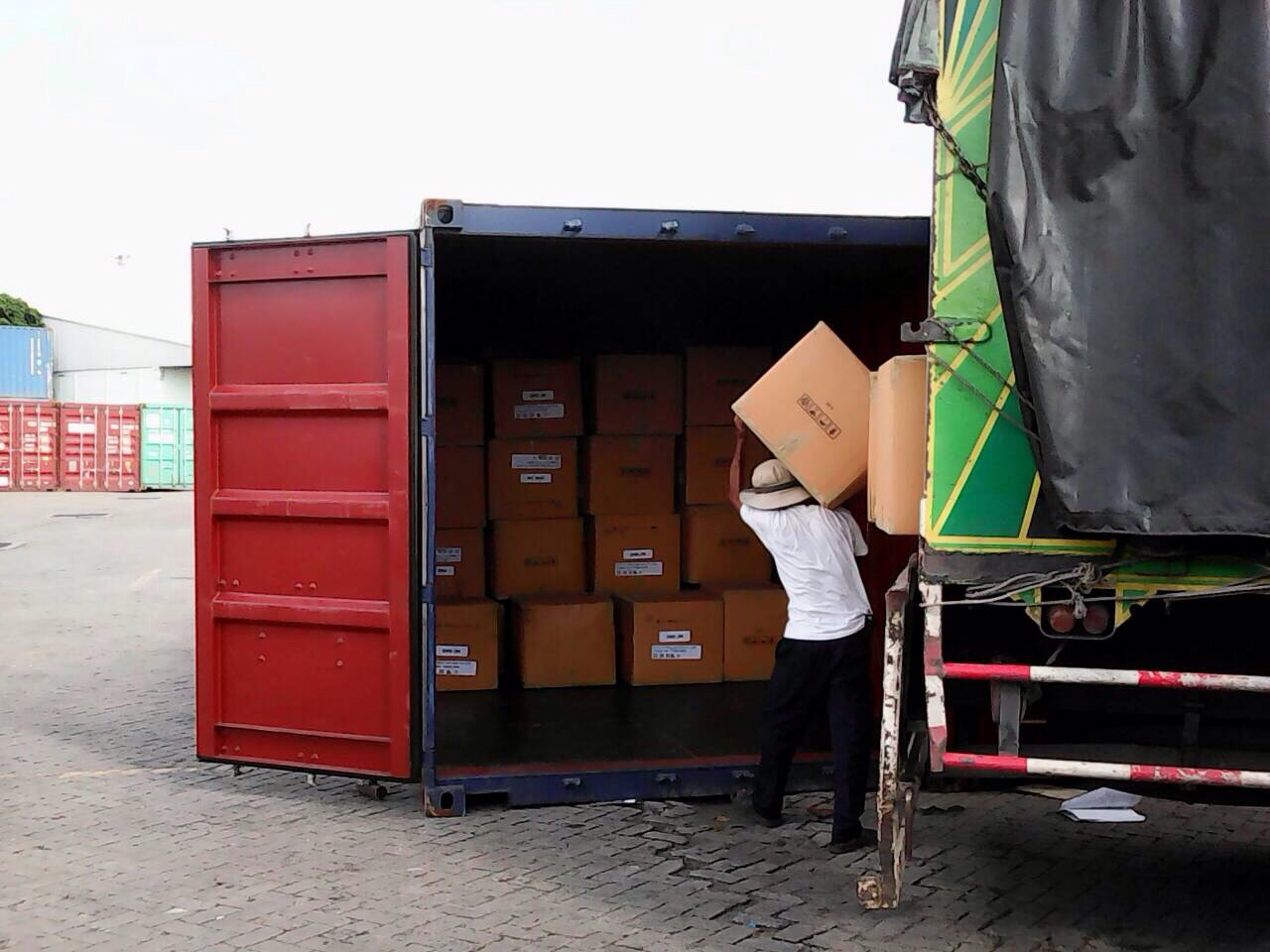 Loading to container